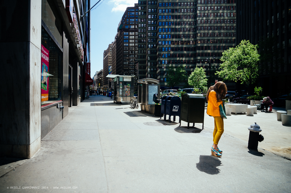 Lady in yellow, New York