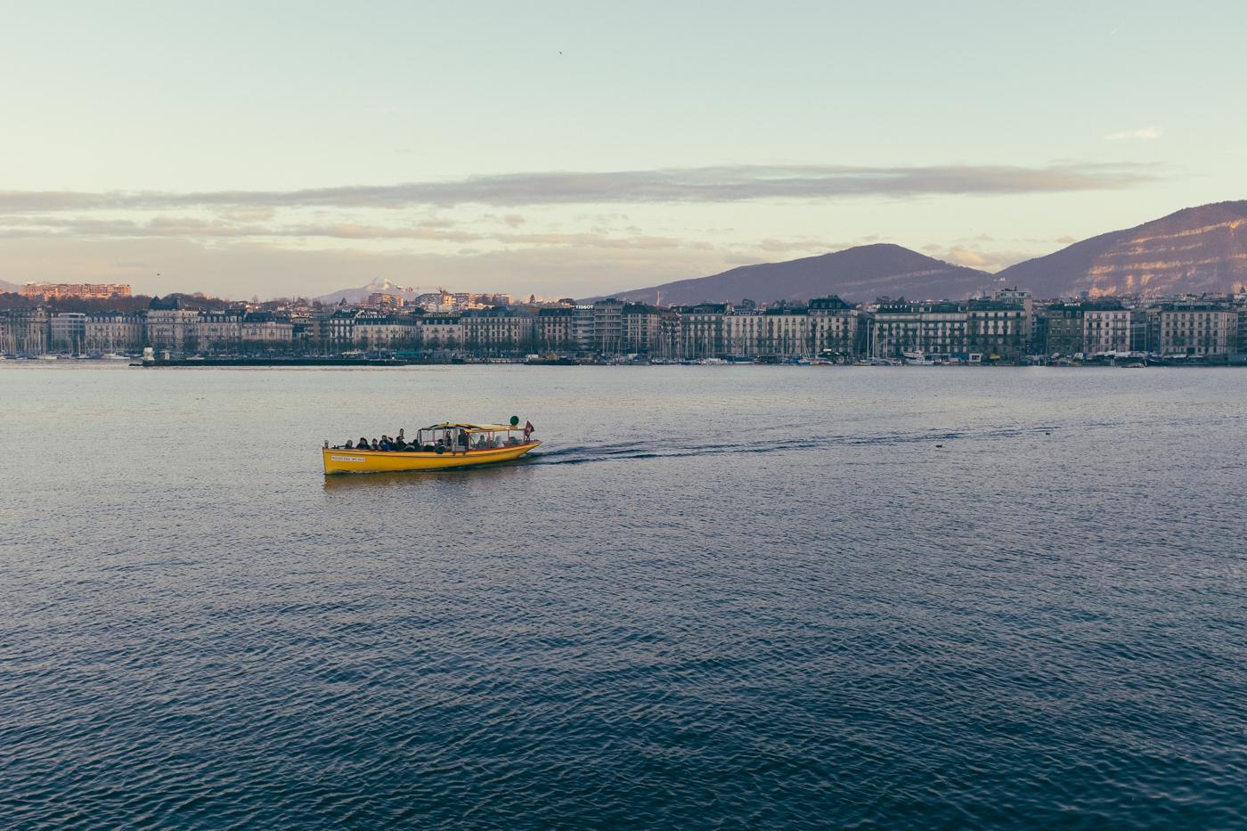 Sunday at the lake, Geneva